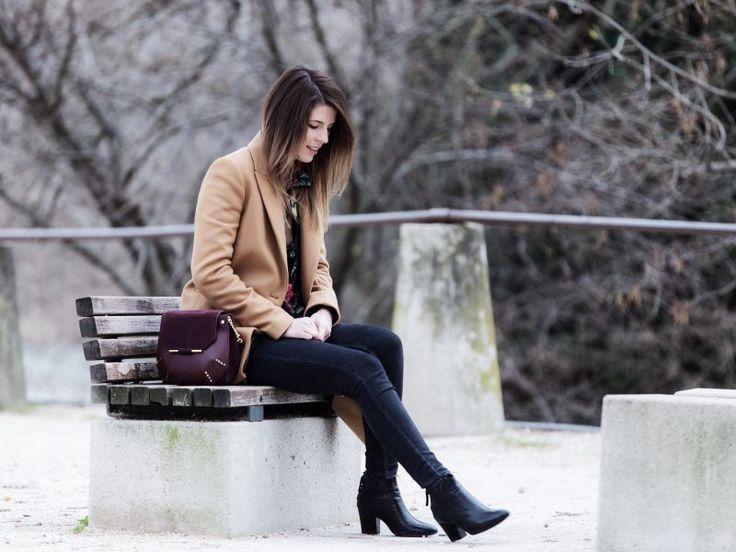 Floral - Manteau coat Zara - Bomber noir black Zara - Jean slim Mango - Boots Zara - Sac bag Bonnie Sandro - ombré hair - Bijoux jewels By Opaline - look outfit tenue style femme woman
