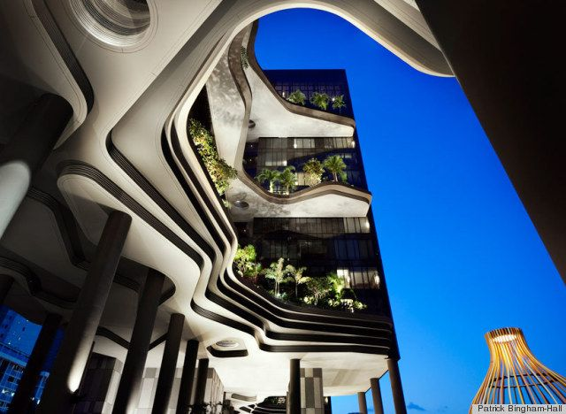 parkroyal - A high-rise hotel in downtown Singapore - seriously looks crazy cool