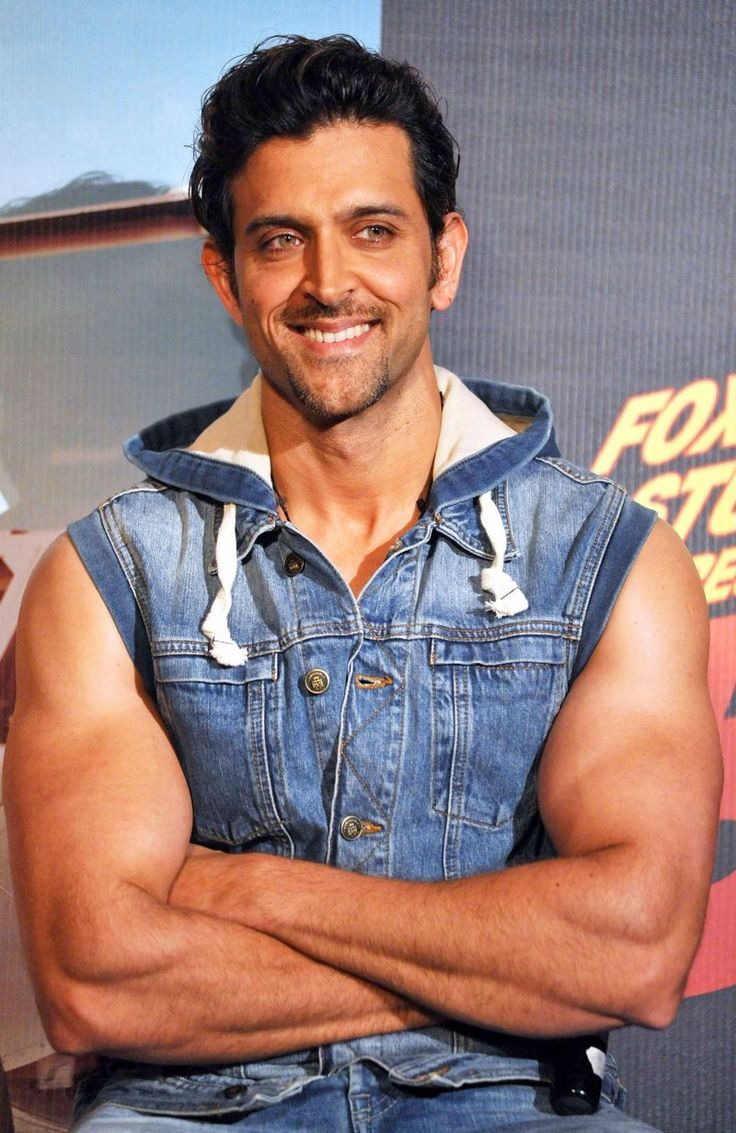 Hrithik Roshan showed off his beefy biceps in an all-denim look at the launch of 'Bang Bang' title track.