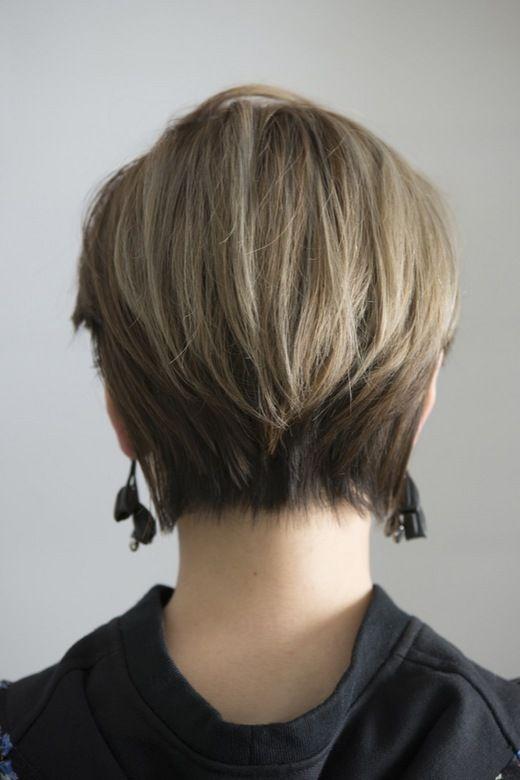 バッドガールヘアスタイル 最旬モードなショートヘアアレンジ。