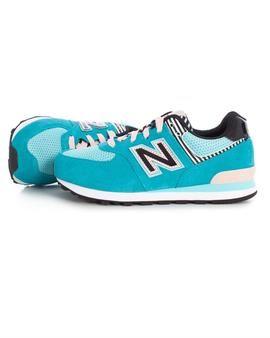 Zapatillas New Balance 574 Kids Azul. Disfruta de nuestra colección en Trendclic. #zapatillas #newbalance #niña #tiendaonline #moda