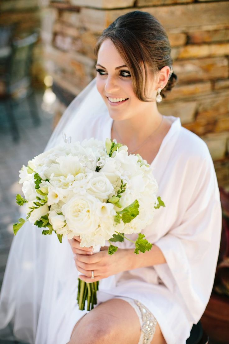 Beautiful California Country Club Wedding from Lyndsay Undseth Photography. To see more: http://www.modwedding.com/2014/09/09/beautiful-california-country-club-wedding-lyndsay-undseth-photography/ #wedding #weddings #bridal_bouquet