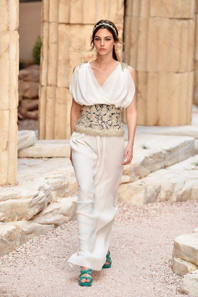 Chanel Cruise 2017/18: O poveste din Grecia antică