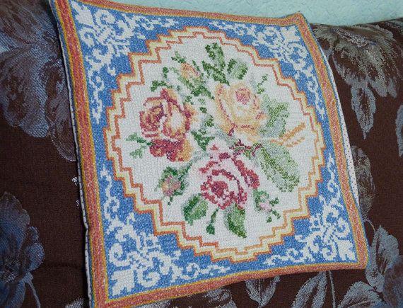 Antieke zaak oude Oekraïens borduren kleine kussen kussensloop met rozen geborduurd kussen Hand borduurwerk Oekraïne