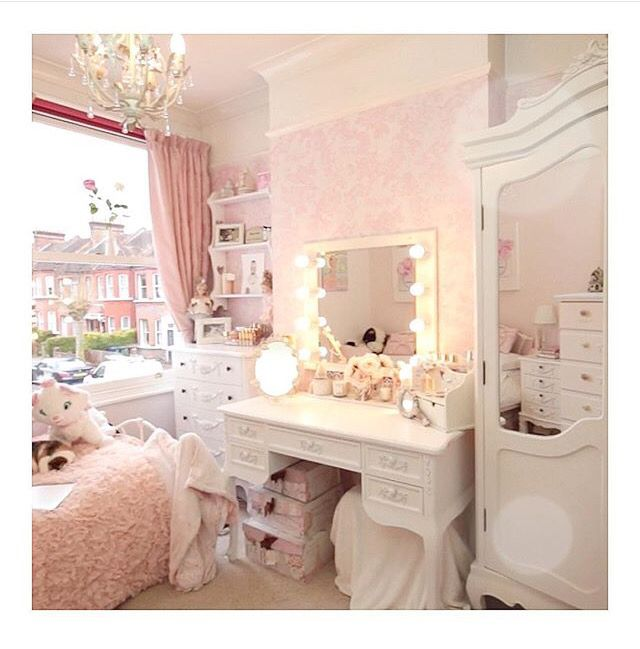 25 best ideas about chanel inspired room on pinterest for Bedroom designs girly