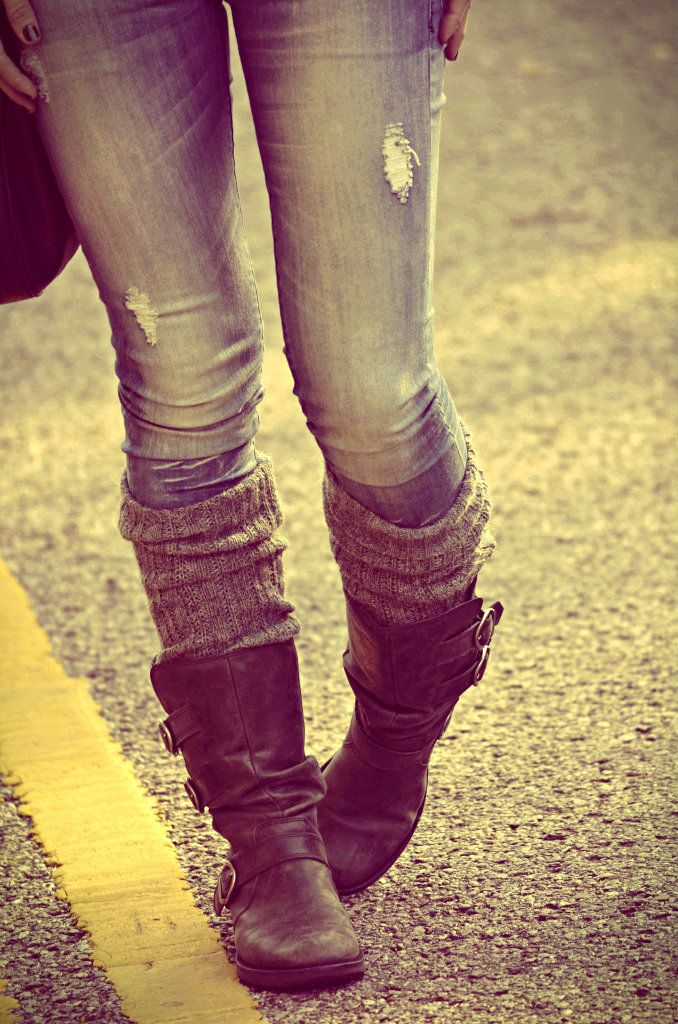 Fall outfit mid calf ankle boots bootie with socks