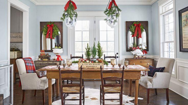 A Festive Dining Space  - CountryLiving.com