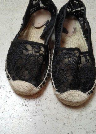 Kaufe meinen Artikel bei #Kleiderkreisel http://www.kleiderkreisel.de/damenschuhe/ballerinas/139381158-espadrilles-espandrillos-slipper-ballerina-von-hm-mit-spitze-schwarz-gr37