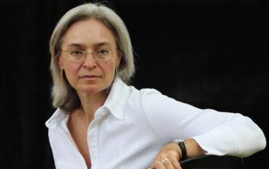 Tíz+évvel+ezelőtt,+2006.+októberében+gyilkolták+meg+Moszkvában+Anna+Politkovszkaja+oknyomozó+újságírónőt.+Héléne+Blanc+francia+ruszológus+a+Le+Figaróban+elemezte+az+oroszországi+szabadságjogok+jelenlegi+helyzetét.+ -Tíz+év+után+van+még+remény+a+Politkovszkaja-gyilkosság+tisztázására? -Ebben+az…