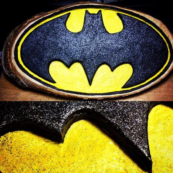 Batman Wood Art for Walls  Dimensions: 23cm x 13.5 cm x 1.5cm  wood carving Handmade item  Handpainted with acrylic paints  Coated with a varnish in order to enhance and protect