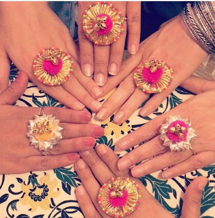 We're swooning over this Gota jewellery rings for the bride and her bridesmaids! #IndianWedding #gota #jewellery #mehendi #colourpop | curated by #WittyVows the ultimate guide for the Indian bride | www.wittyvows.com