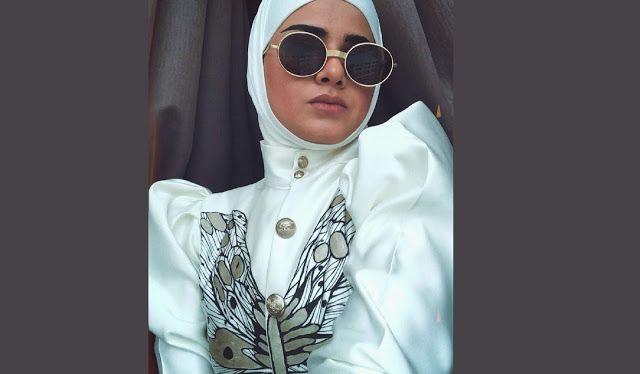 أجرى الحوار الإعلامية العراقية أ مريم سمير صحيفة إنسان يسعدنا استضافتكم وأهل ا بكم في صحيفة إنسان العربية ونشكركم على إ Round Sunglasses Fashion Sunglasses
