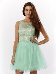 Rochie superba pentru banchet pe culoarea mentei. Aceasta rochita o gasiti aici:  http://www.dreamfashion.ro