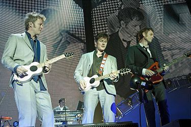 A-haVistalegre19.JPG,  'take on me', 'crying in the rain'      a-ha.  NORWEGIAN POP MUSIC GROUP