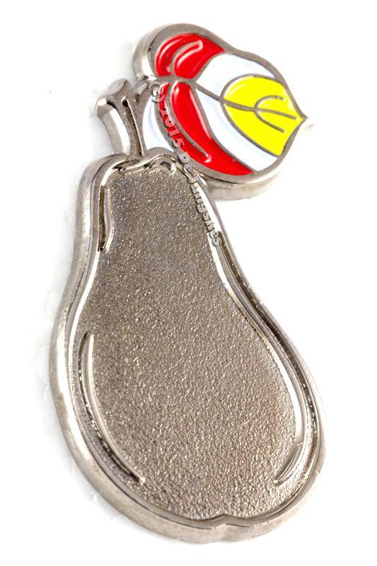 Bende gij ok zo'n toffe peer? Dan mag deze pin niet ontbreken bij je outfit.