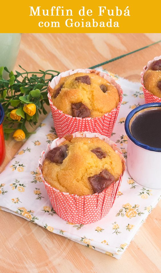 Muffin de Fubá com Goiabada, perfeito para levar de lancinho para o trabalho e escola, com aquele sabor de bolinho de vó.