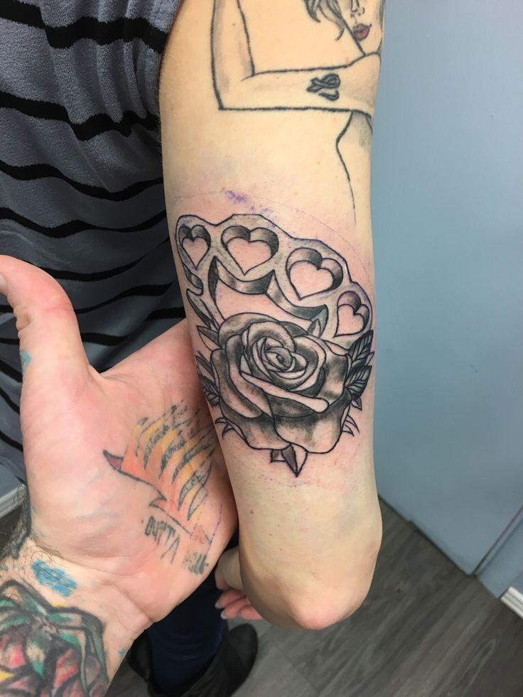 die besten 25 schleifen tattoos ideen auf pinterest rosa schleifen tattoos l wenzahn tattoo. Black Bedroom Furniture Sets. Home Design Ideas