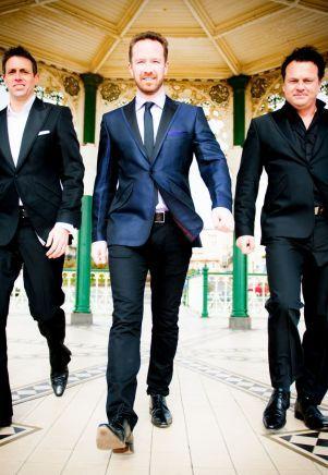 Lontoolaisen kolmen tenorin ryhmän esityksessä yhdistyy klassinen musiikki, musiikkiteatteri sekä oma teokset.  Tenors UnLimited on tehnyt yhteistyötä mm. Royal Philharmonic Orchestran sekä Stingin kanssa. Yhtye esiintyy Estonian konserttisalissa 8.3. #eckeröline #tallinna