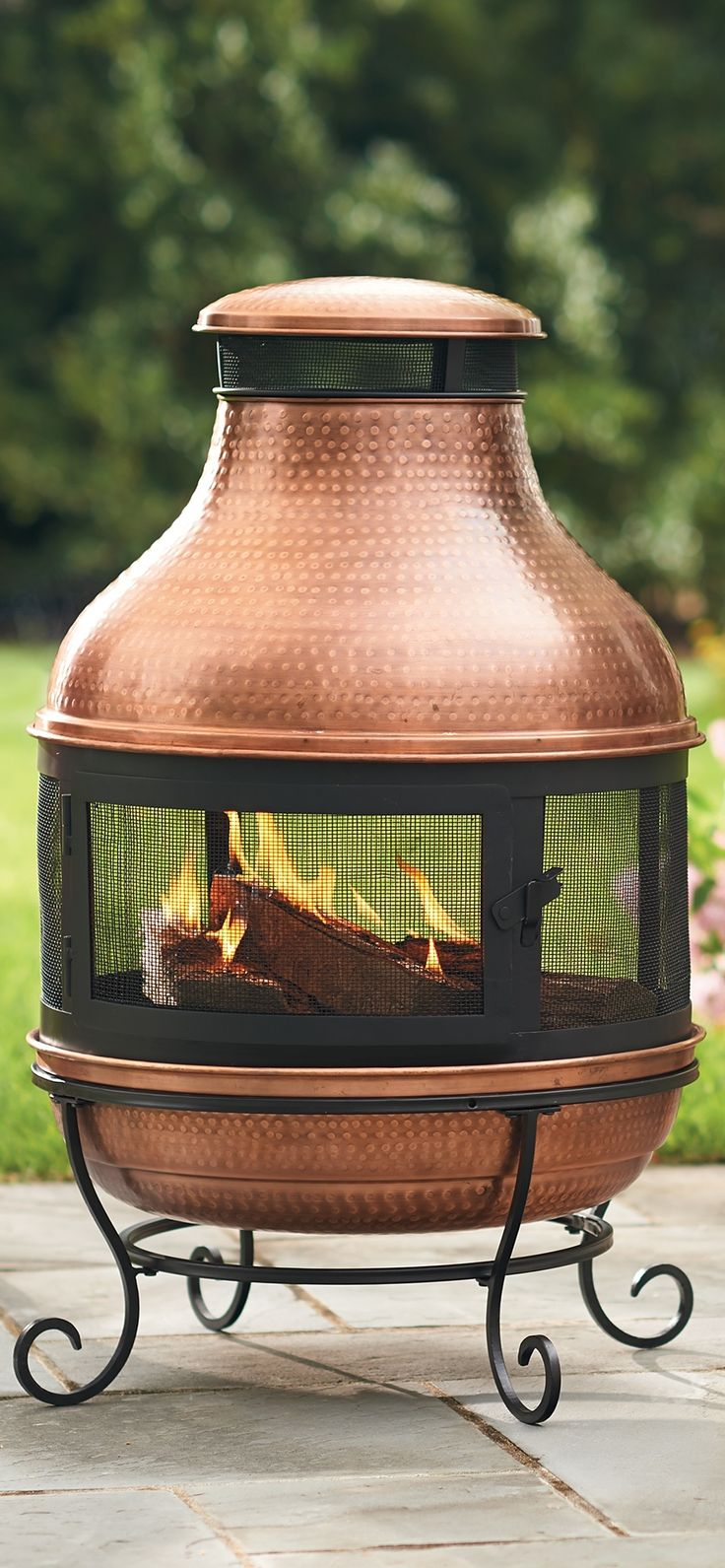 Bask in the glow of our perfectly proportioned, hand-hammered Copper Chiminea.