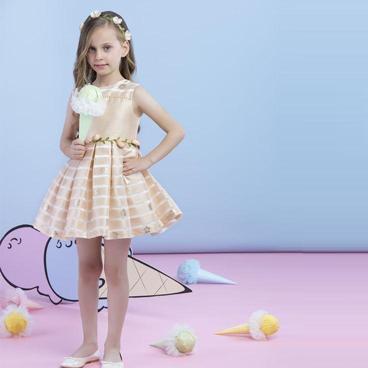 Bu yazın trendi çiçekten taçlar ve kemerler! Crowns and belts are the trends for this summer! موضـة هــذا الصيف احزمـة والتيجان من االزهار! Тренд этого сезона – цветочные короны (венки) и пояса.  #dress #girl #trends #kids #kidsfashion #kidsstyle #stylish #summer #flowers #kidswearing #fashion #paminakids #tarz #stil #çocukelbise #gençkız #moda