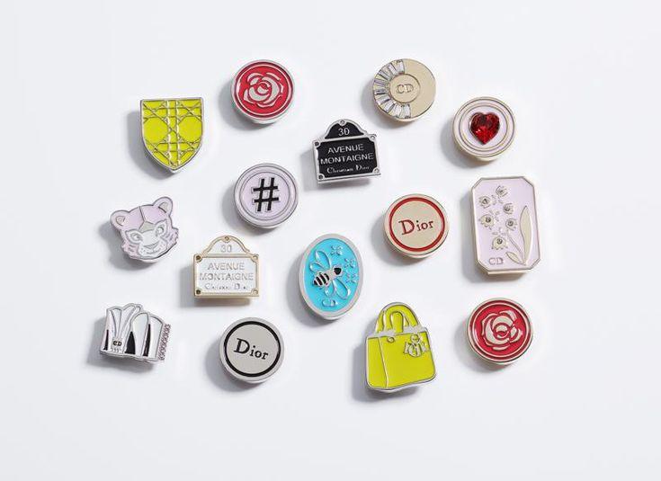 My Lady Dior diventa social con le pins personalizzate - Dior punta sulla personalizzazione lanciando un nuovo servizio per rendere unica la it-bag My Lady Dior protagonista della campagna con l'attrice francese Marion Cotillard. - Read full story here: http://www.fashiontimes.it/2016/12/my-lady-dior-social-pins-personalizzate/