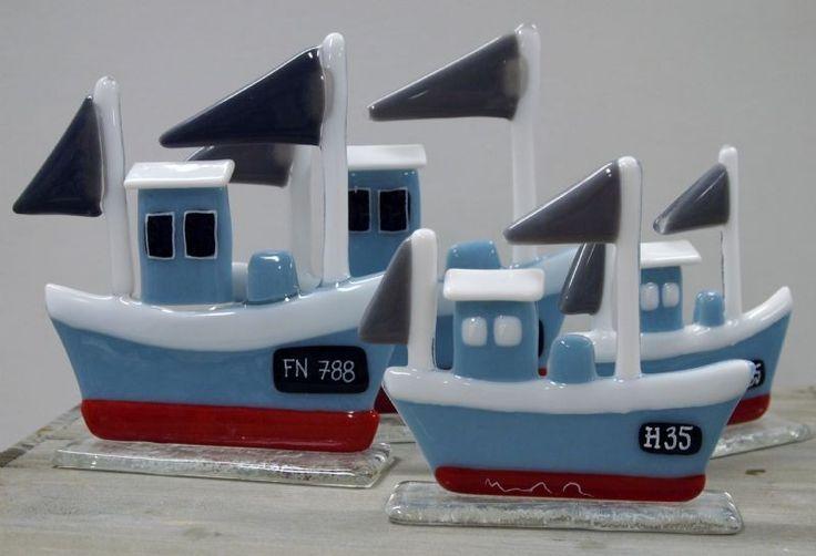 fiskekuttere i to størrelser