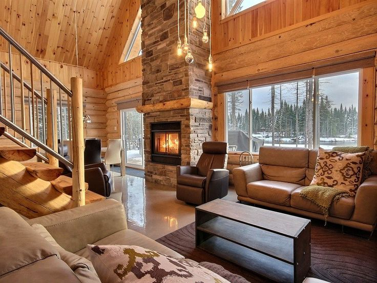 Best 25 maison bois rond ideas that you will like on - Interieur chalet montagne photo ...
