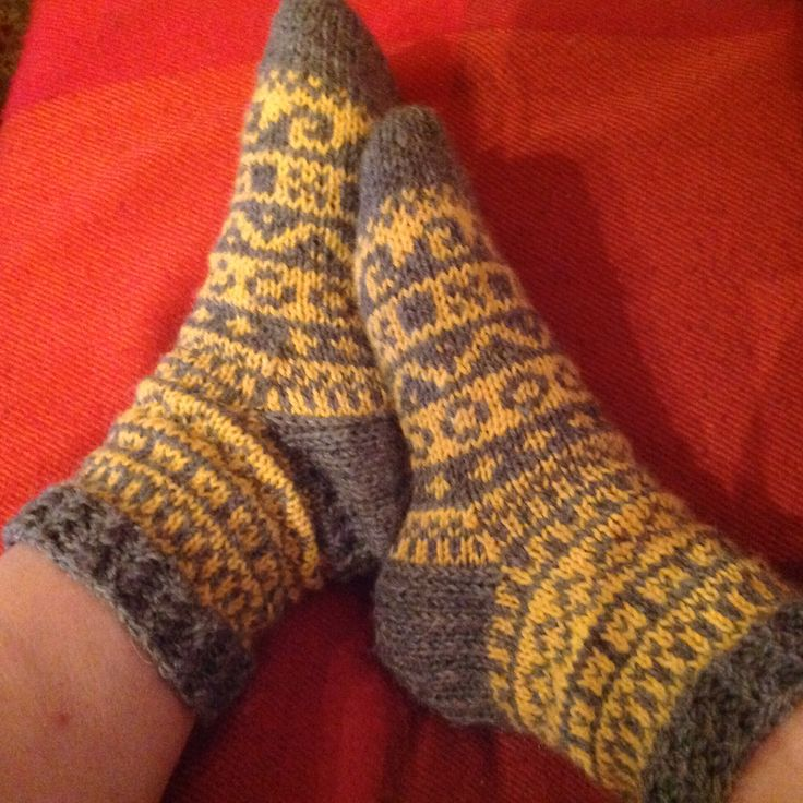 Spring calender socks , pattern from Pia Tuononen knitblog in March 2016. Made by Pirjo S.