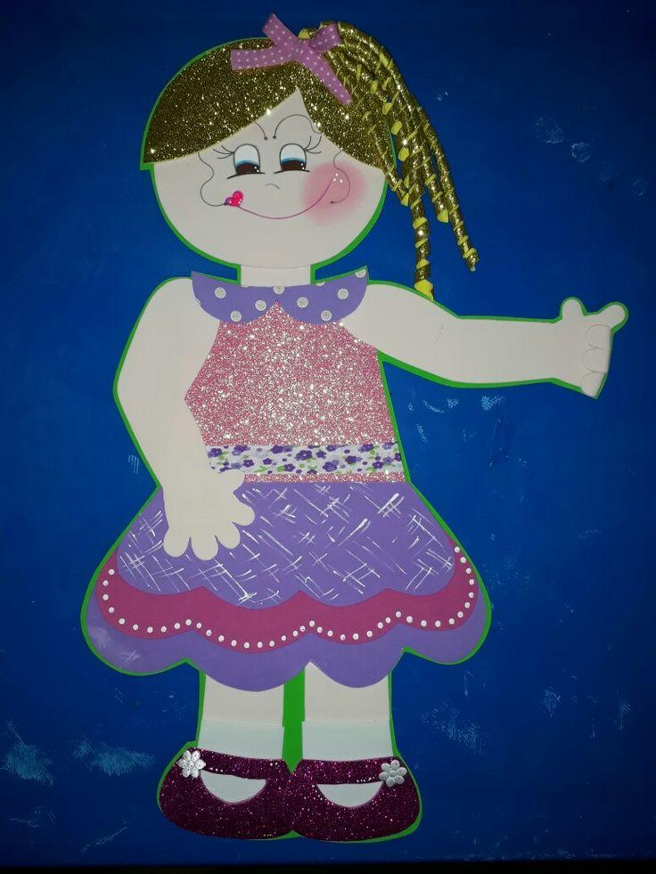 Muñeca hecha en foami, manualidades creativas
