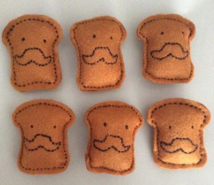 Handmade magnet felt - Tostadas de pan hechas de fieltro con imán para la nevera