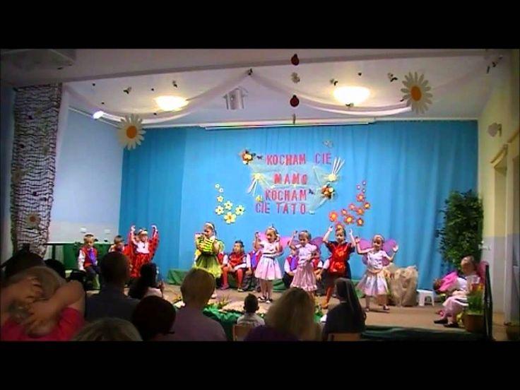 Przedstawienie z okazji Dnia Matki i Ojca- grupa 3-latki