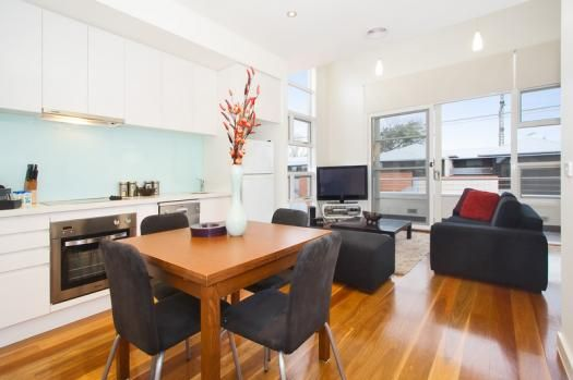 5/45-47 Nelson Street, St Kilda East, Melbourne - This is an immaculately furnished 1 bedroom St Kilda East apartment on the first floor with a large sun filled balcony. A spacious suite wit...
