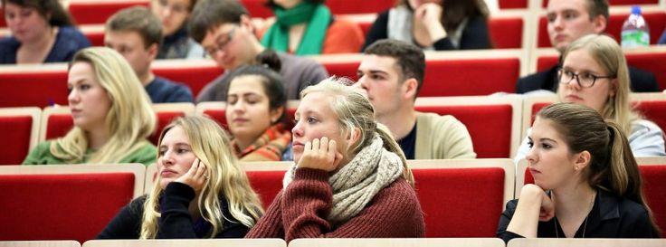 Vorlesung an der Uni Leipzig (Archivbild): Regelstudienzeit ist nicht die Regel