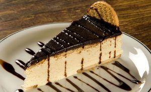 Torta Holandesa promete deixar toda a sua família com água na boca.O recheio torna o doce irresistível,sem falar na crocância da massa de biscoito.