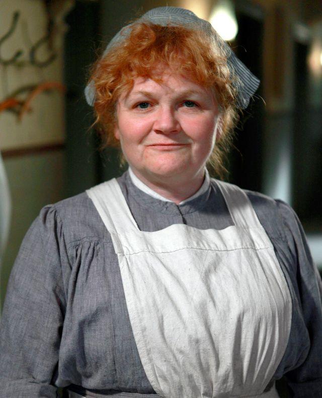 Lesley Nicol dans le rôle de Beryl Patmore dans la saison 1 de « Downton Abbey »