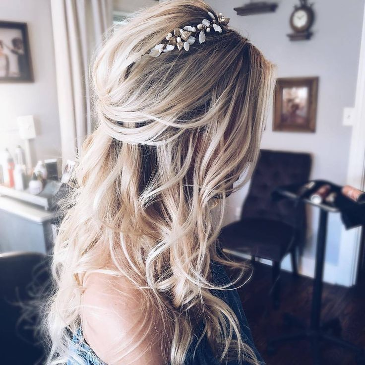 """5,876 Likes, 45 Comments - Wedding Chicks® (@weddingchicks) on Instagram: """"Lose beachy curls and a half up do  If only our hair looked this good everyday! #dream Hair by…"""""""