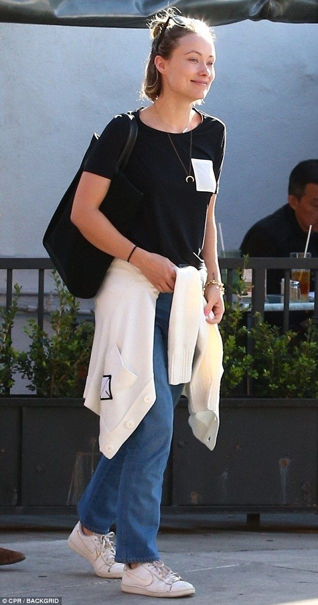 No makeup no worries! On Thursday, Olivia Wilde let her natural beauty shine through, going make-up free for a lunch catch up with a friend in West Hollywood