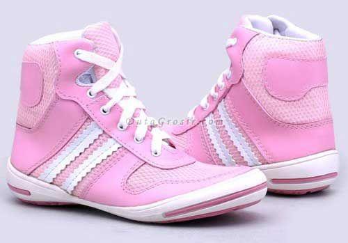 Aneka sepatu menyediakan sepatu anak-anak, remaja sampai dewasa, bisa grosir sampai retail, nikmati belanja barang bagus di grosir sepatu wanita dan pria, dapatkan banyak keuntungan. proses cepat dan aman.