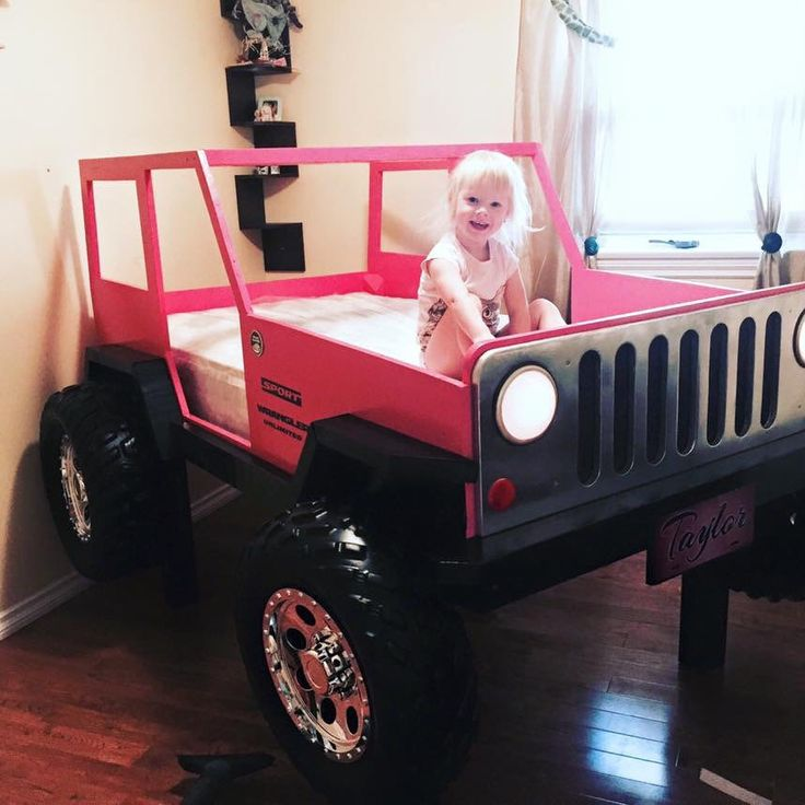 les 25 meilleures id es de la cat gorie lit de voiture sur pinterest lit enfant voiture. Black Bedroom Furniture Sets. Home Design Ideas