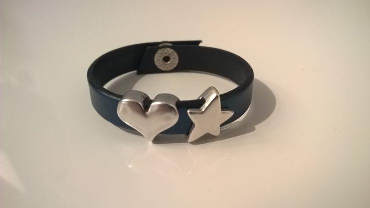 Bracciale in pelle 1 giro blu con cuore e stella