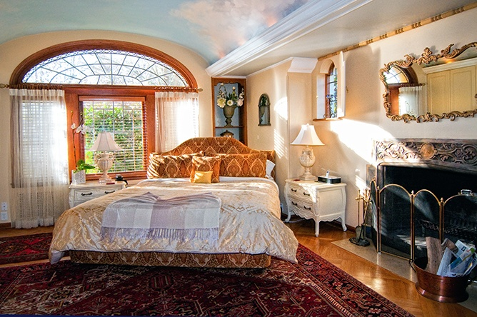 19 best accommodations images on pinterest vancouver island wedding reception venues and. Black Bedroom Furniture Sets. Home Design Ideas