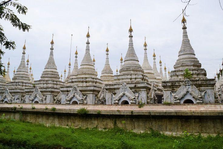 ブッダの予言によって建設されたミャンマー王朝最後の首都マンダレーで厳かな気分を感じよう