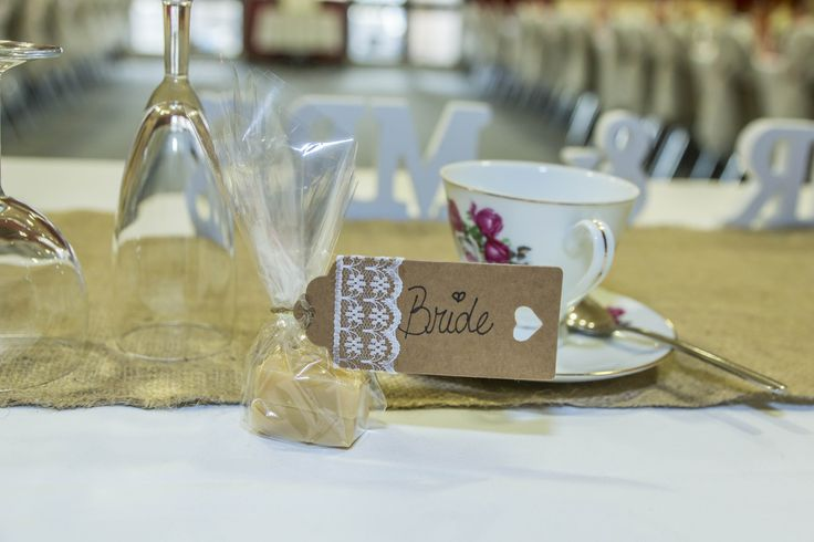 Favour and a name tag in one. Very simple to make, quite fun for a DIY Wedding.