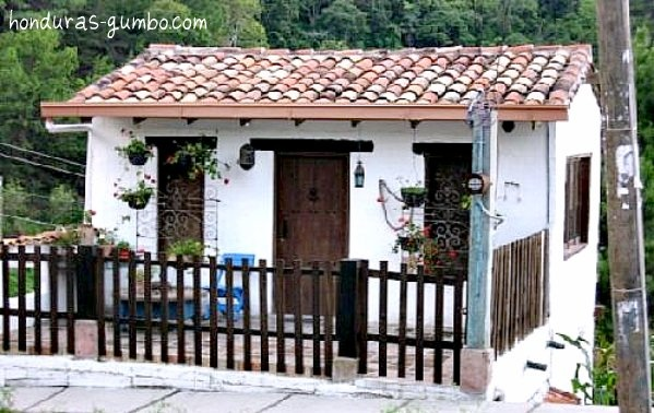 Tiny cottage honduras pictures pinterest spanish for Spanish style tiny house