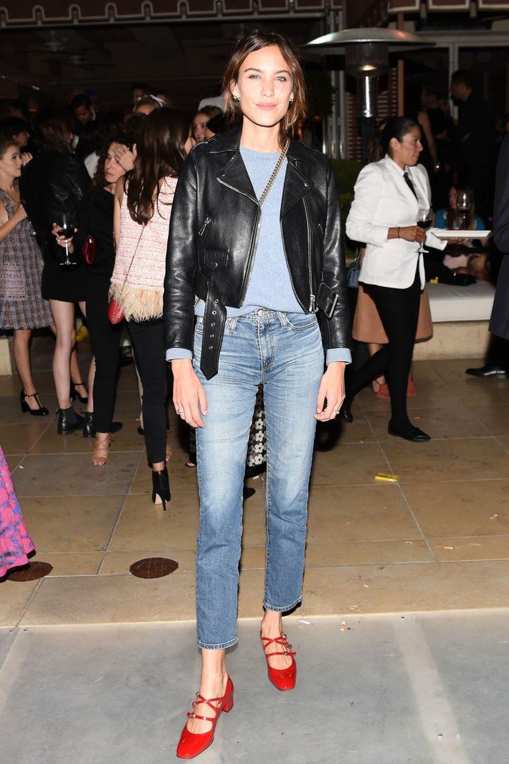 High waist, cropped boyfriend jeans. Alexa Chung