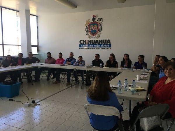 Capacita Gobierno Municipal a sus funcionarios en lenguaje de señas | El Puntero
