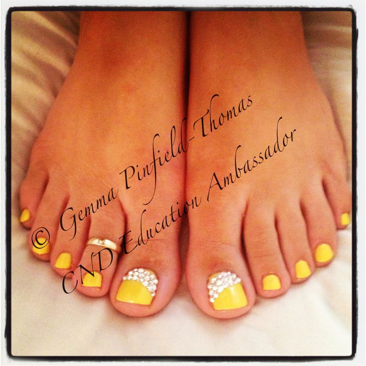 Best 25 shellac toes ideas on pinterest manicure and pedicure cnd shellac toes in bicycle yellow with ab swarovski crystal detail prinsesfo Images