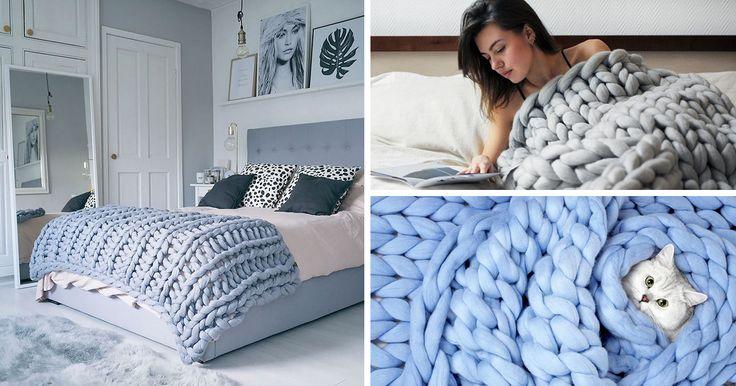 Winter is coming, mais heureusement pour vous on a la solution parfaite pour lutter contre les températures qui dégringolent : cette couverture géante.Vous êtes étranger à l'artisanat ? Ne vous inquiétez pas, avec le tutoriel qu'on vous propose, vous n'aurez aucune difficulté à la fabriquer vous-même.Vous aurez besoin de grandes aiguilles à tricoter mais Laura Birek explique qu'on peut très bien utiliser des tubes en PVC et obtenir le même résultat.
