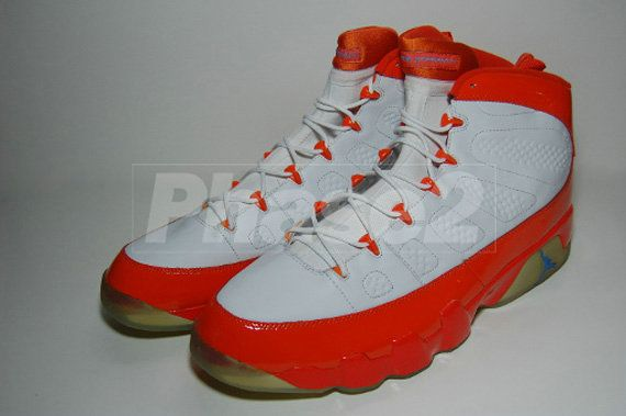 94605e96cefd35 Young Air Jordan IX Boys Shoe Darius Miles Cleveland Cavaliers PE Bright  Orange White