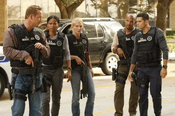 Still of Cole Hauser, Rose Rollins and Kelli Giddish in Chase (2010)